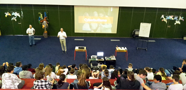 Sabato 20maggio dalle 8.30 alle 11.00 si è svolto un evento di sensibilizzazione sulla sicurezza nell'uso di Internet e delle moderne tecnologie digitali con circa 80ragazzi di primae seconda media (età 11-14 anni) della scuola […]