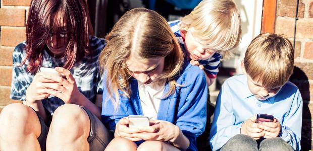 Se questo articolo ti è piaciuto, condividilo!Prosegue con successo la fase di rilevazione dell'esperienza dei minori nell'uso di Internet e delle moderne tecnologie digitali, con risultati addirittura superiori a studi di settore ben più blasonati, […]