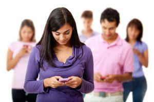 Gli effetti psicofisici e fisici della dipendenza tecnologica sui giovani