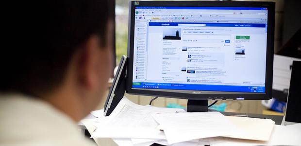 Se questo articolo ti è piaciuto, condividilo!Un recente studio pubblicato da eCircle evidenzia che la maggioranza delle aziende italiane ritiene di conoscere gli strumenti offerti dai social media ma sono restie ad utilizzarli, principalmente per […]